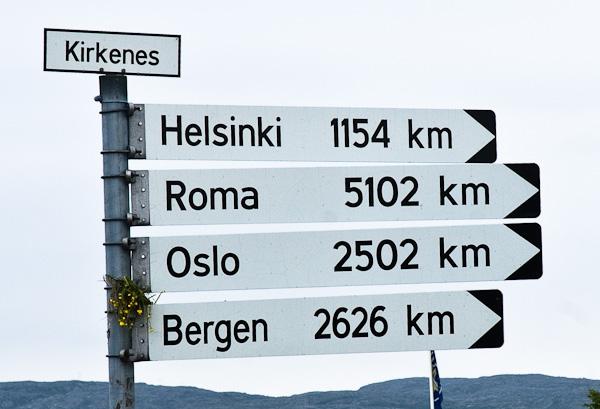 Wie weit ist welche Stadt von Kirkenes entfernt?