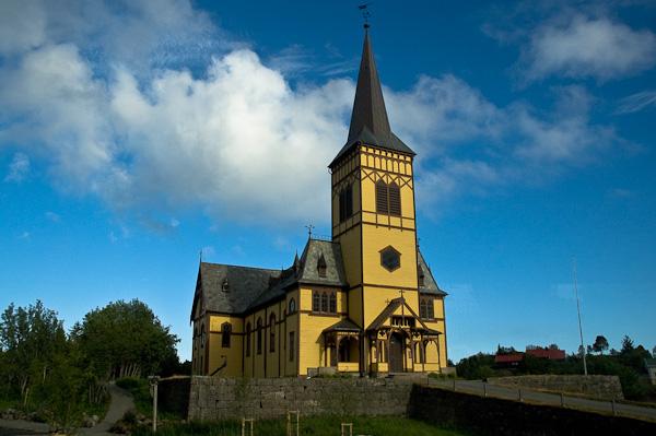 Kirche von Kabelvåg auf den Lofoten