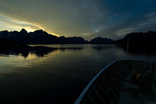 Mystisches Licht vor dem Trollfjord