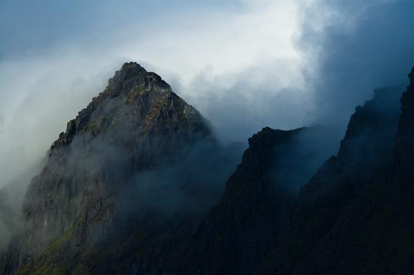 Berge über dem Trollfjord