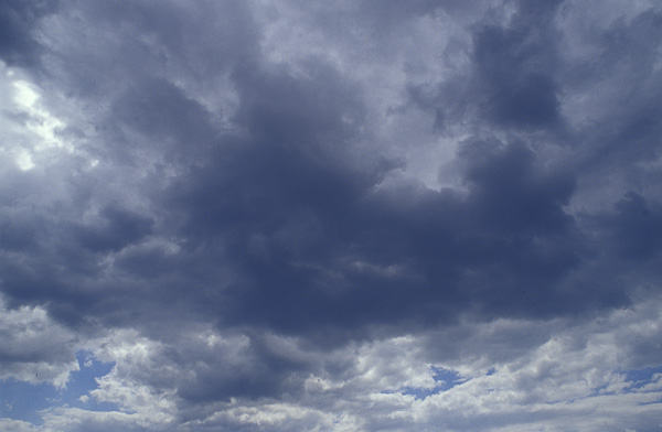Wolken unterbelichtet
