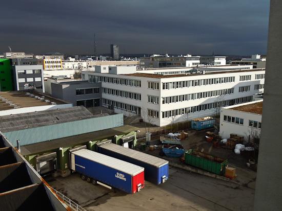 Versand und Bürogebäude
