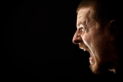 Angry man screaming in extreme rage © dundanim - Fotolia.com