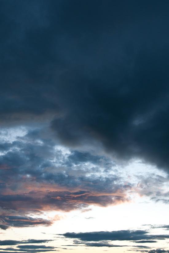 Wolken im Hochformat