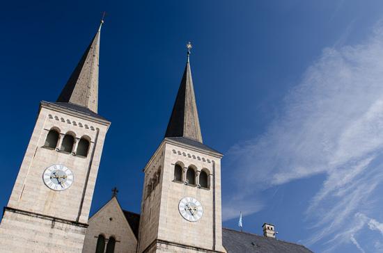 Stiftskirche am Schlossplatz von Berchtesgaden