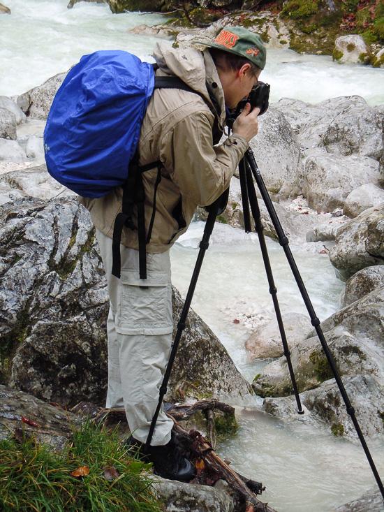 Fotograf beim Regen im Zauberwald