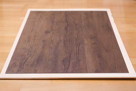 Fotohintergrund dunkel gebeiztes Holz mit Maserung