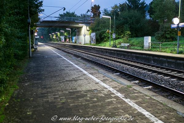 6 Uhr 23 am Bahnhof
