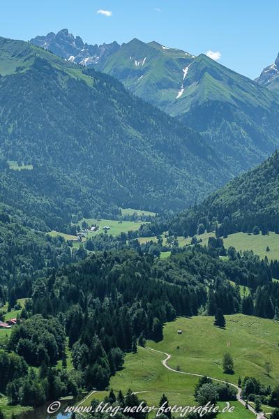 Moorweiher - Rechts Stillachtal - Links Trettachtal