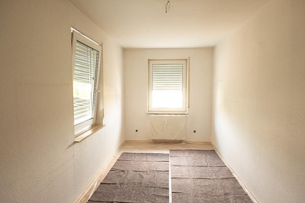 Zimmer mit Folie abgeklebt