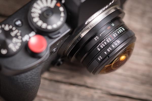 Laowa 4mm Fisheye an Fuji X-T2